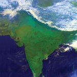 ヒマラヤ山脈の雪と低・高雲を示すElectro-L LRIT false colour image