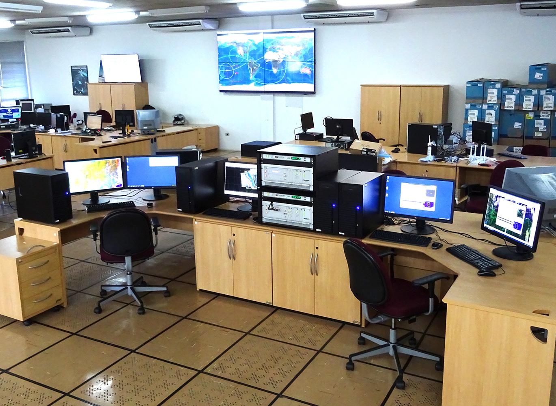 オプションの視覚化PCを使用した一般的な屋内設備のセットアップ