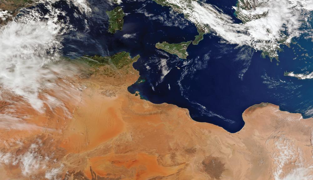 Suomi-NPP VIIRS 750m分解能のトゥルーカラー画像でアフリカ北部と地中海を観測